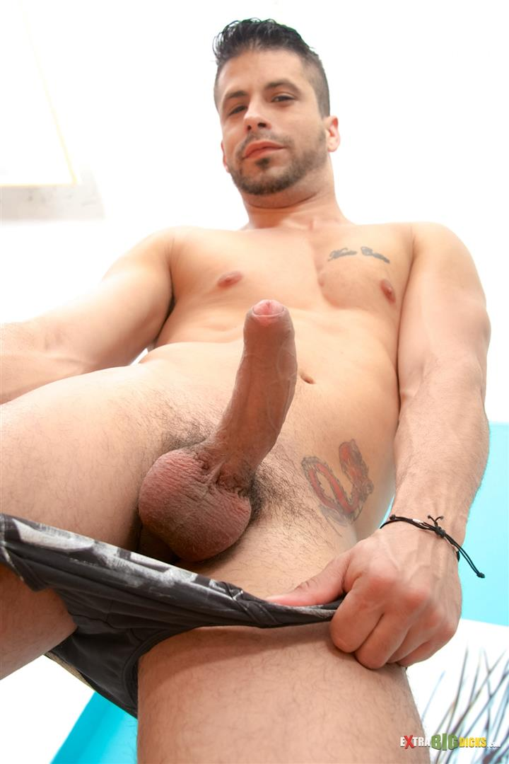 Extra-Big-Dicks-Ray-Han-Cuban-With-Big-Uncut-Cock-Masturbation-Amateur-Gay-Porn-06 Sexy Muscular Cuban Ray Han Jerks His Big Uncut Cock