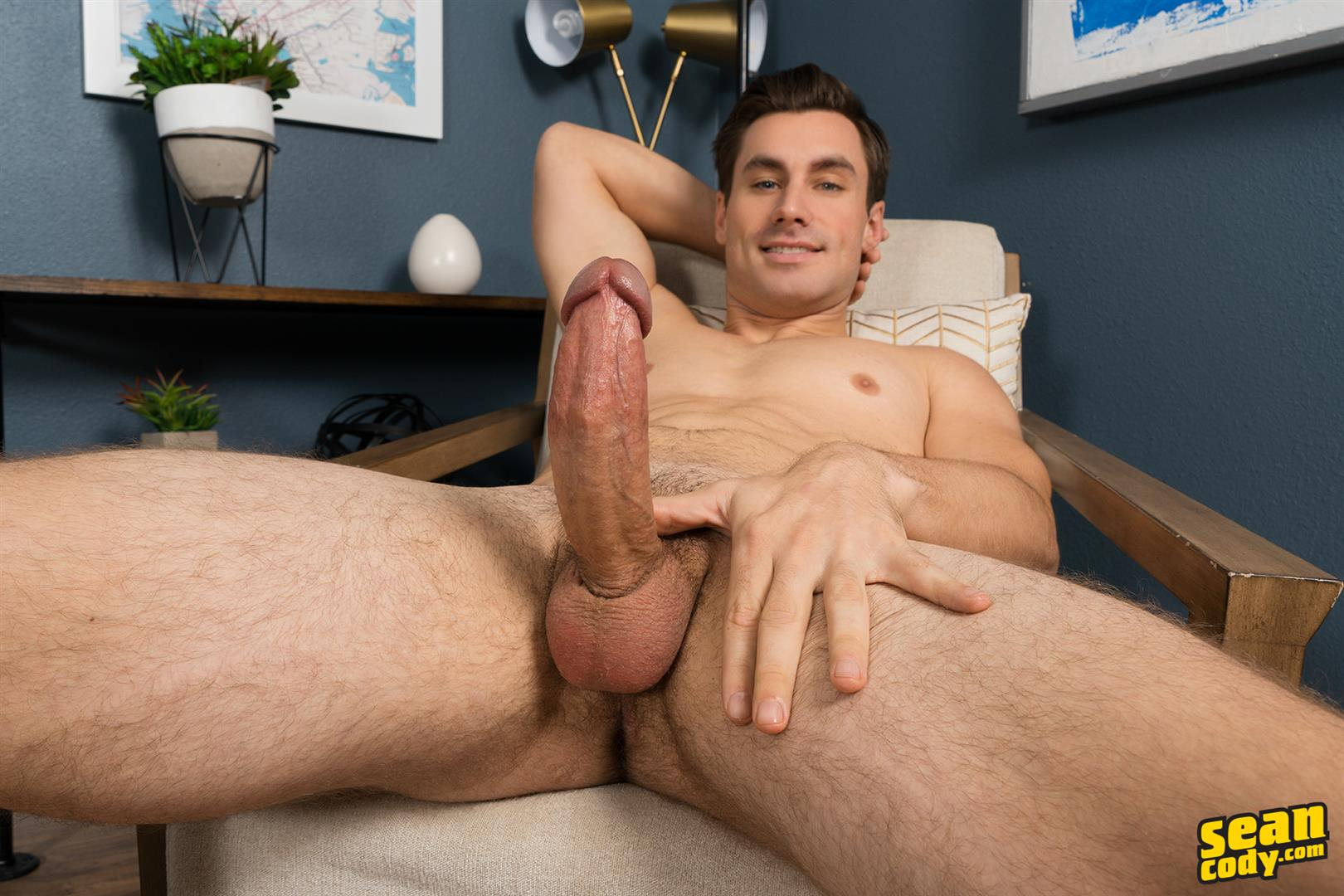 Sean-Cody-Giovanni-Straight-Guy-Jerking-Off-Thick-Curved-Italian-Cock-04 Straight Muscular Italian-American Jerks Off His Big Thick Curved Cock